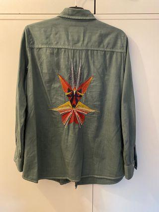 Camisa vaquera bordado