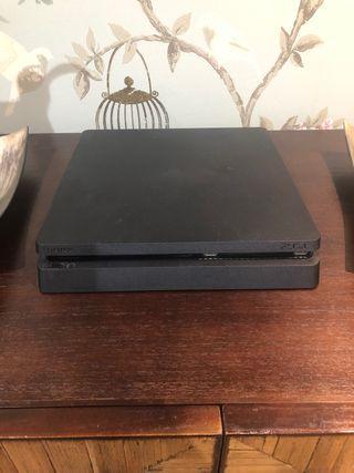 PS4 SLIM 1TB + 2 mandos