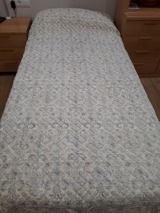 Colcha para cama de Zara Home de 1,60 x 2,50 m