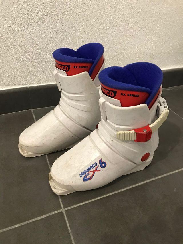 Esquís niña 90cm + botas regalo