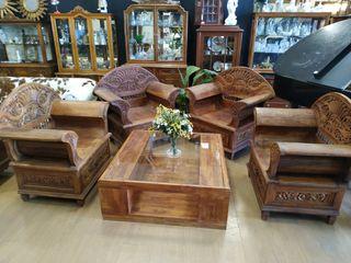 tronos y mesa