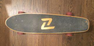 Longboard Z-flex con ejes Carver