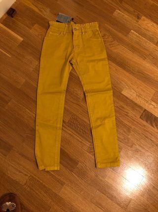 Pantalón sin estrenar niña amarillo 7-8 años