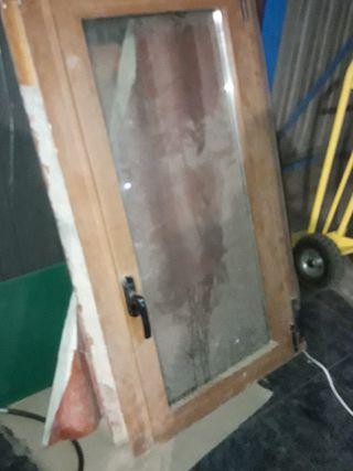 ventana imitación madera 77 cm x 1.45