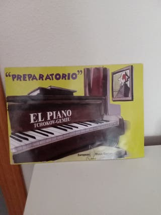 Preparatorio. El piano Tchokov-Gemiu