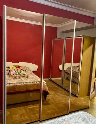 Armario con 3 puertas correderas con espejo