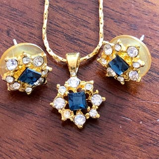 Beautiful Blue Rhinestone Pendant Necklace Earr