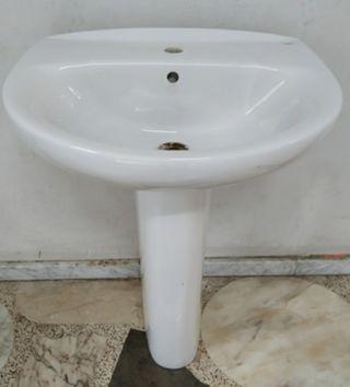 Lavabo de manos Roca con pie