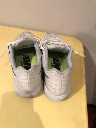 Nike Lunartempo. Talla 43