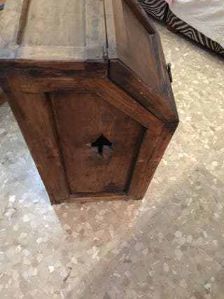 Mueble leñero rústico