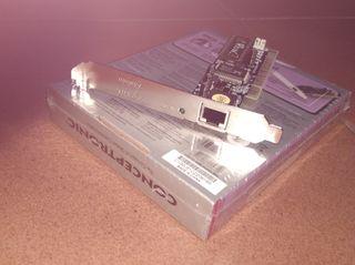 2 tarjetas de Red PCI (Zyxel y Conceptronic)