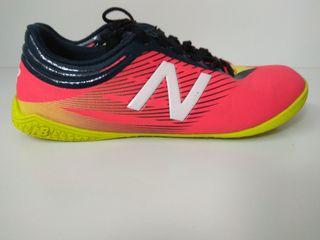Botas de fútbol New Balance, talla 42