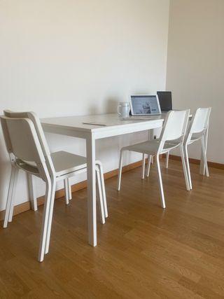 Mesa extensible IKEA 120/180*75 + 4 sillas