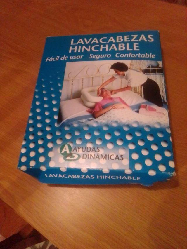Lavacabezas hinchable para cama