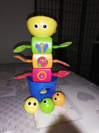 Torre apilable bebé. +de 9 meses.