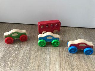 Coches y autobús de madera
