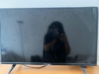 TV cassée pour pièces