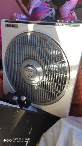 ventilador gris