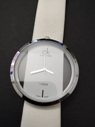 reloj CK blanco
