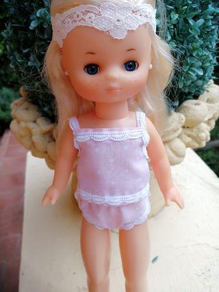 camiseta y braguita muñeca Lesly