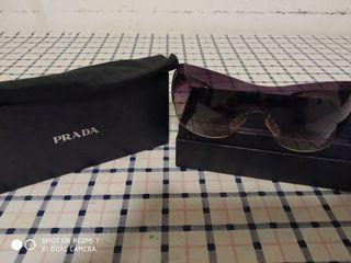 gafas de sol marca Prada