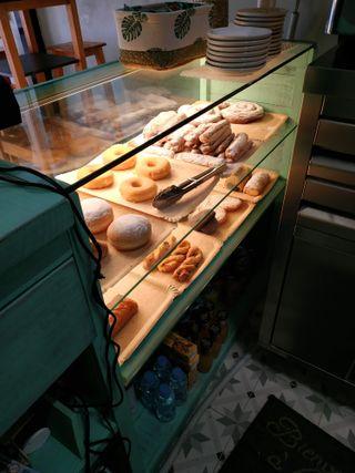 Muebles panadería mostradores,paneras,urnas