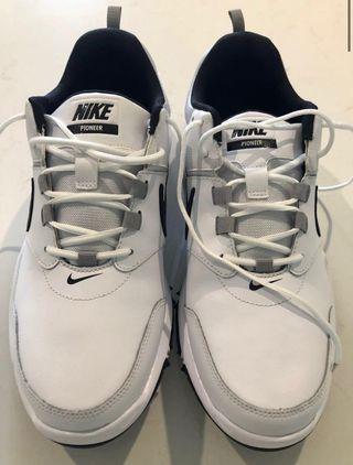 Nike pioneer golf shoes   Talla 41
