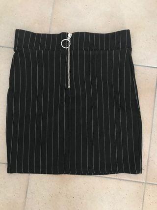 Falda elástica corta NUEVA