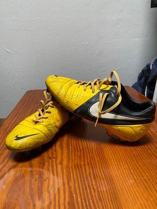 Botas de fútbol talla 42,5