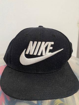 Gorra plana Nike   Ajustable   Poco uso
