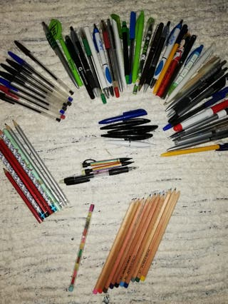 Lote bolis y lápices