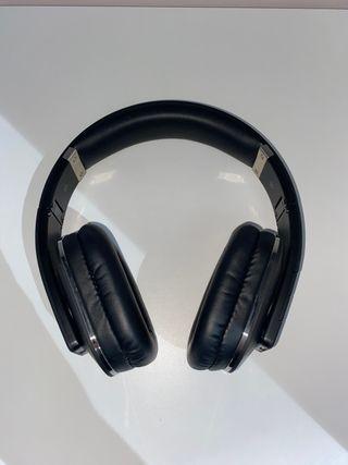 Auriculares inalámbricos August EP650 negros
