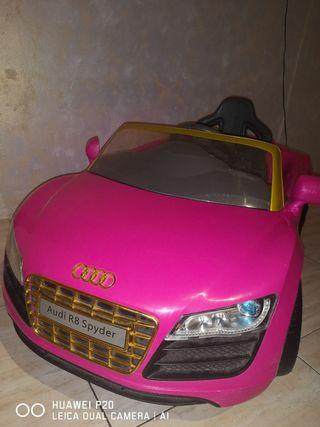 coche rosa audi r8