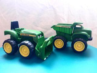 tractor y camión John Deere