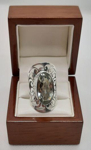 Anillo vintage de plata 925 y Amatista color Lima.