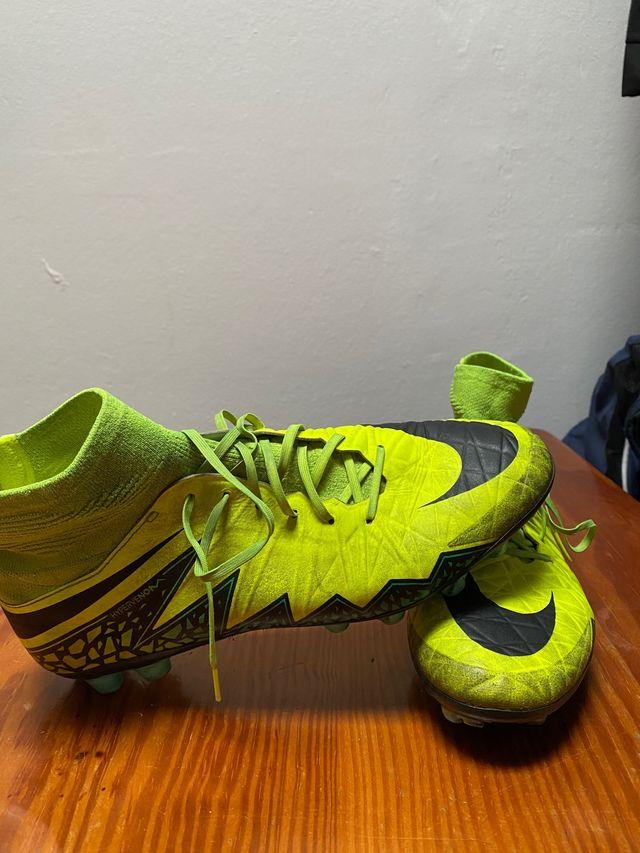 Botas Nike de fútbol talla 43