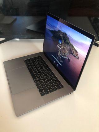 MacBook Pro 15.4 (Touch Bar)