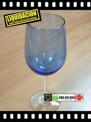 *Copas de vino azules