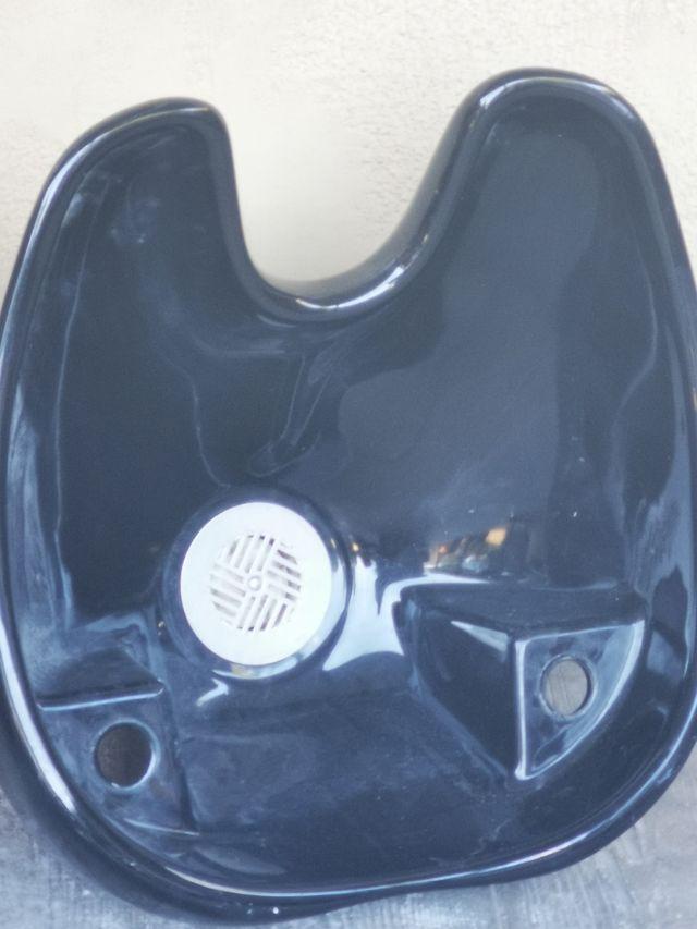 2 Tejas en porcelana negra para lavacabezas