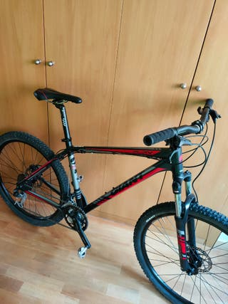 bicicleta Giant MTB BTT