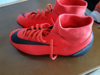 botas de fútbol Nike tobillero alto