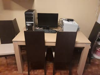 sillas y mesa de salon