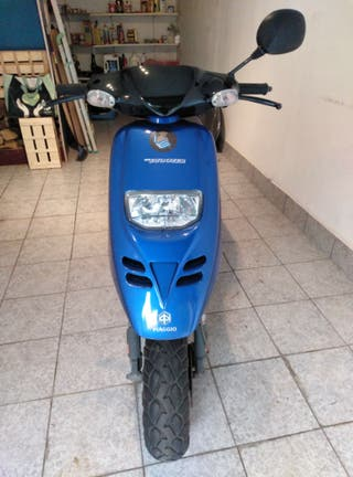 Moto Piaggio Typhoon