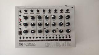 MFB Tanzmaus (Caja de Ritmos/groovebox)