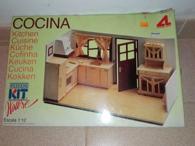 Cocina para casa de muñecas
