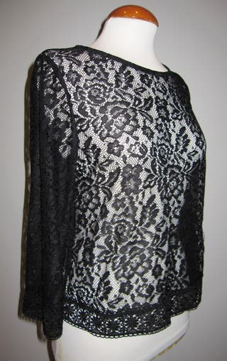 Blusa encaje negra Atmosphere talla 40