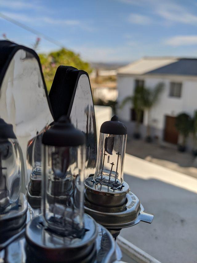 Lámparas H4 Luz extra blanca.
