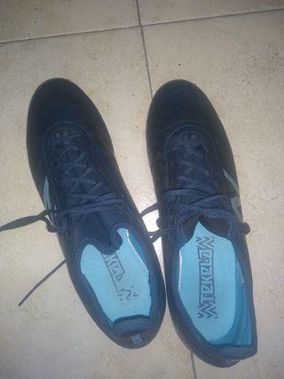 Botas de futbol New Balance