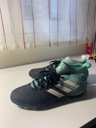 Botas de fútbol Adidas con calcetín