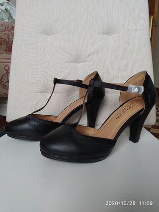 Zapatos Nuevos T40 de tacón negros, Tino Gonzalez